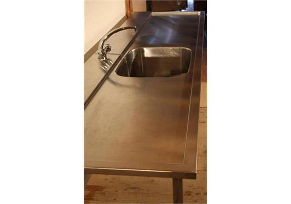 Spültrog 1 Becken/Mischbatterie/Ein- u. Auslauf